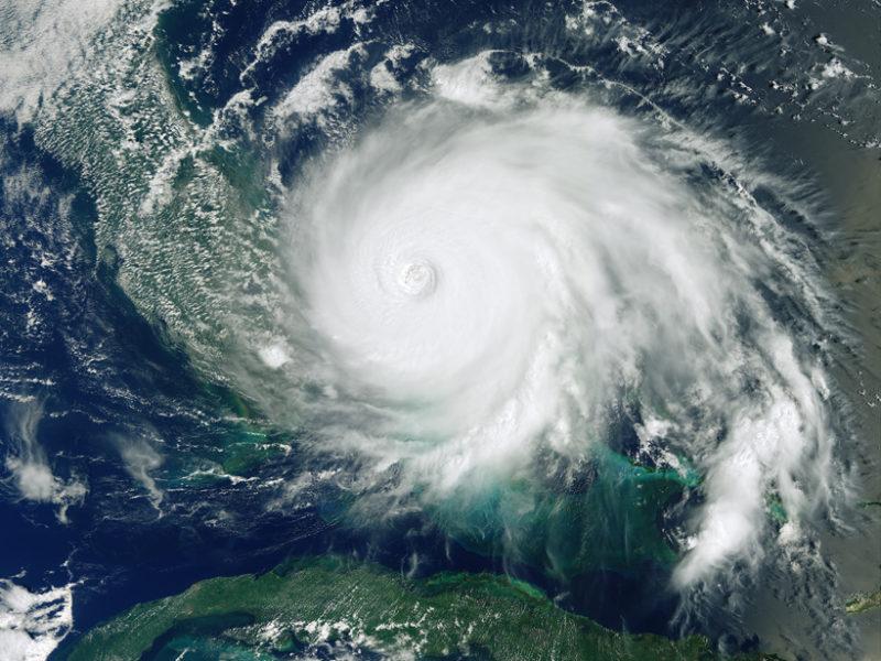 Imagen de satélite mostrando el huracán Dorian sobre las Bahamas en 2019